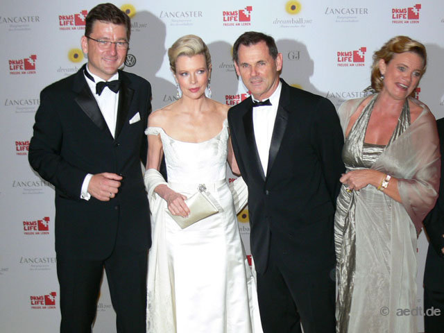 Kim Basinger attends Dreamball at the German Historical Museum on 2007-09-07rical Museum (17)