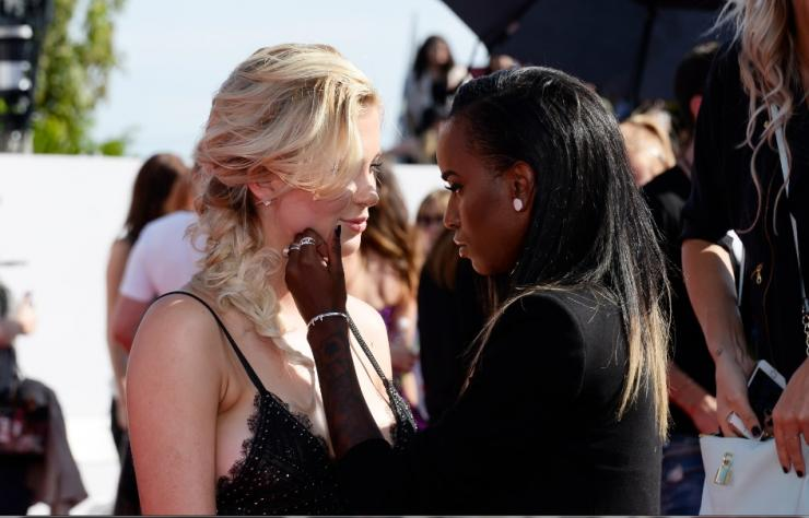 2015-04-14 MTV Video Music Awards Ireland-Baldwin & Angel Haze
